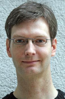 Armin Schäfer ist Politikwissenschaftler und arbeitet seit 2001 am Max-Planck-Institut für Gesellschaftsforschung in Köln. Er untersucht den Zusammenhang von sozialer Ungleichheit und politischer Teilhabe in Deutschland und international vergleichend. Max-Planck-Institut für Gesellschaftsforschung