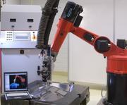 Roboterbasierte Laseranlage zum Härten und Auftragschweißen:  Härten eines Spritzgusswerkzeuges