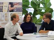 The research team with the measuring device (from left): Prof. Thorsten Staake, Dr. Verena Tiefenbeck and Prof. Lorenz Götte.