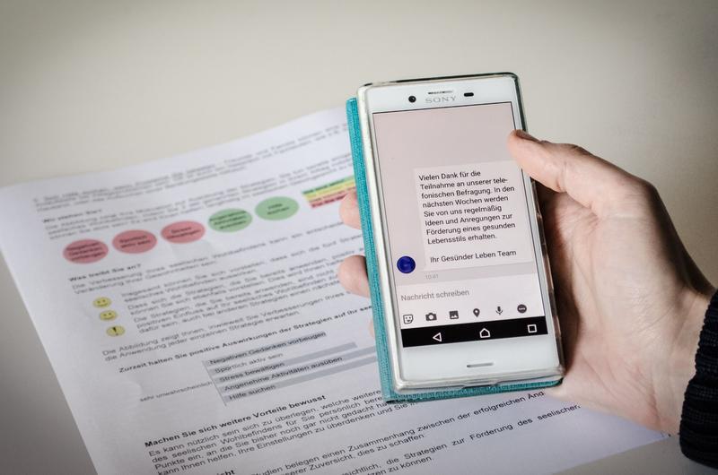 Hilfe übers Smartphone? – Für innovative Beratungsangebote werden Testpersonen gesucht.
