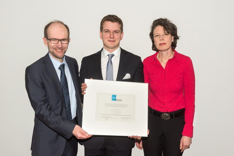 Professor Dr. Alexander Enk, Ärztlicher Direktor Universitäts-Hautklinik Heidelberg, Preisträger Dr. Julius Brinker und Dr. Irene Rosengarten, Loreal.