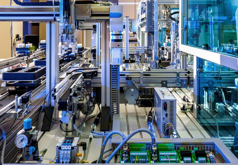 """Developments are moving towards highly networked, intelligent logistics and production processes"": Model factory of the Fraunhofer IOSB."
