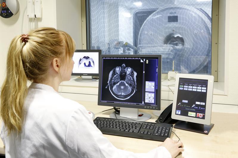 Durch die neueste Technik des neuen Systems verringern sich auch die Untersuchungszeiten für die Patienten. Die Aufnahmen sind nun noch präziser.