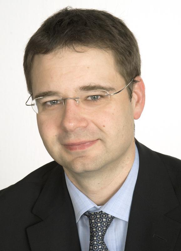 Prof. Dr. Wilhelm Röll von der Klinik für Herzchirurgie des Universitätsklinikums Bonn.