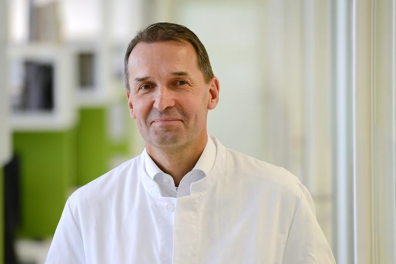 Prof. Jürgen Bernhagen, Leiter, Lehrstuhl für Vaskuläre Biologie Institut für Schlaganfall- und Demenzforschung (ISD) Klinikum der Universität München