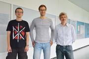The Kiel physicists Tobias Dornheim (l.), Simon Groth and Professor Michael Bonitz have developed a simulation procedure to calculate the properties of electrons at extreme temperatures.