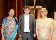 Prof. Dr. Rolf Drechsler mit Prof. Sanghamitra Bandyopadhyay (li.), Präsidentin des Indian Statistical Institute, und Prof. Susmita Sur-Kolay (re.), Advanced Computing & Microelectronics Unit am ISI