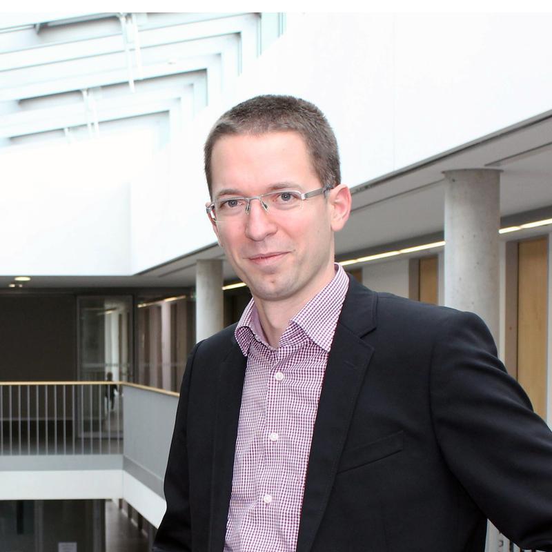 Prof. Dr. Andreas Schmid, Universität Bayreuth.