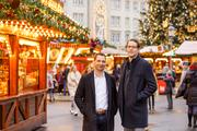 Jun.-Prof. Dr. Marcel Lichters (left) and Prof. Dr. Marko Sarstedt (right) at the Magdeburg Christmas Market