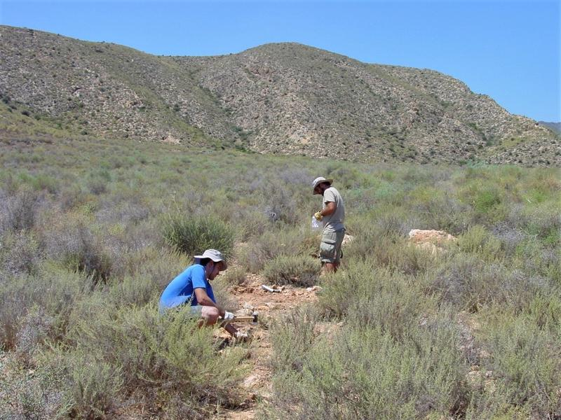 Researchers taking soil samples in Spain. Drylands are among the ecosystems with the highest proportions of soil-borne plant pathogens today.