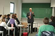 Götz W. Werner bei seinem Seminar an der Alanus Hochschule