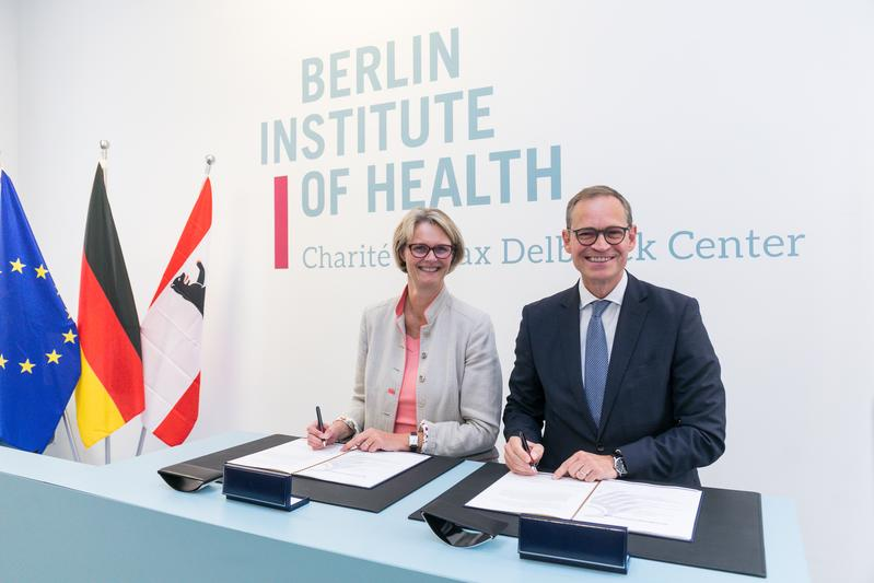 On July 10, 2019, the German Research Minister Anja Karliczek and the Governing Mayor of Berlin Michael Müller signed an administrative agreement on the integration of the BIH into Charité.
