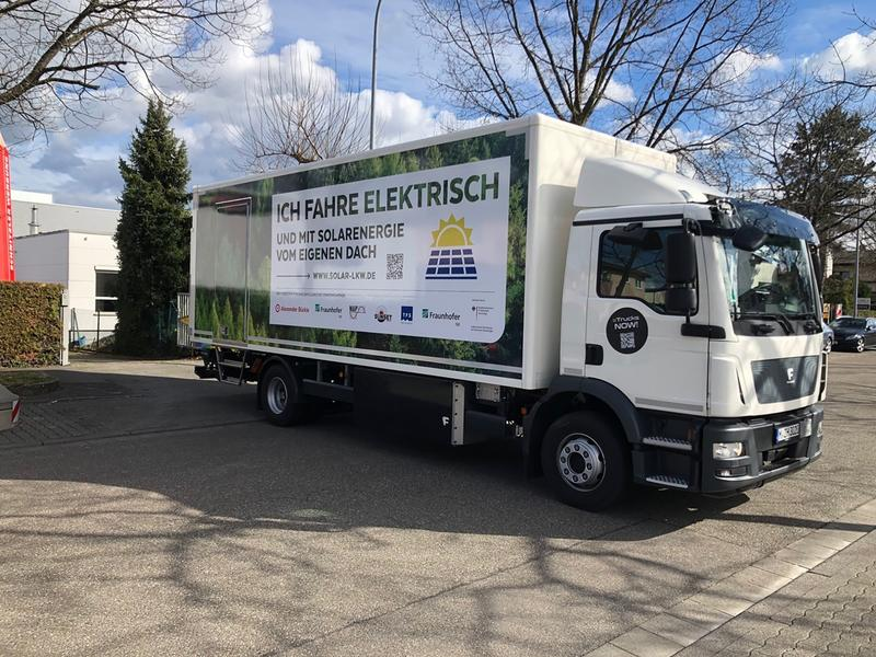 Electrical trucks and other commercial vehicles can save energy with solar energy.